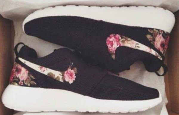 Roshe Run Nike Damen Blumen
