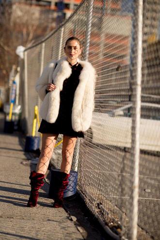 shoes nyfw 2017 fashion week 2017 fashion week streetstyle boots red boots velvet velvet shoes velvet boots dress mini dress velvet dress burgundy burgundy dress jacket white jacket white fur jacket fur jacket