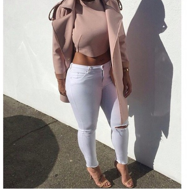 blouse slay dope classy coat shoes jeans nude white jeans top heather sanders glasses pants black girls killin it instagram nude top crop tops shirt trench coat tan trench coat crop tops crop denim tank top outift