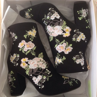 shoes boots vintage floral black hipster embroidered topshop ankle boots floral shoes embroidered boots shorts velvet flowers heels pattern heel boots design black floral