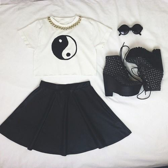 skirt black skater skirt shoes t-shirt jewels sunglasses round sunglasses yin yang shirt gold gold chain shirt yin yang black white girly black and white good and bad cute cool sweet girly grunge grunge soft grunge black studded boots black sunglasses jing jang ying yang top