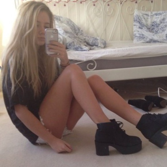 shoes black boots ineed