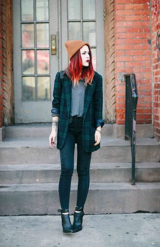 le happy blogger black heels rust tartan blazer