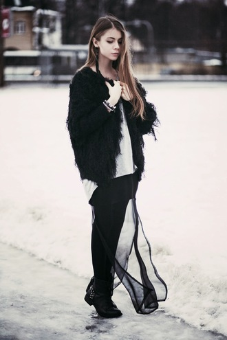 acid coke blogger fuzzy coat black jacket winter outfits