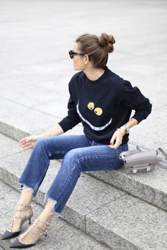 b a r t a b a c blogger alice in wonderland black sweater printed sweater valentino valentino shoes studded shoes pointed toe grey bag bun d'orsay pumps frayed denim