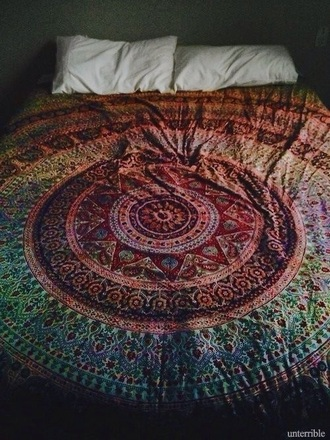 home accessory quilt duvet cover bedding bedroom comfy boho bohemian ethnic aztec mandala rainbow detail detailed pattern native american colorful warm turquoise blue red yellow orange summer spring beach vibes