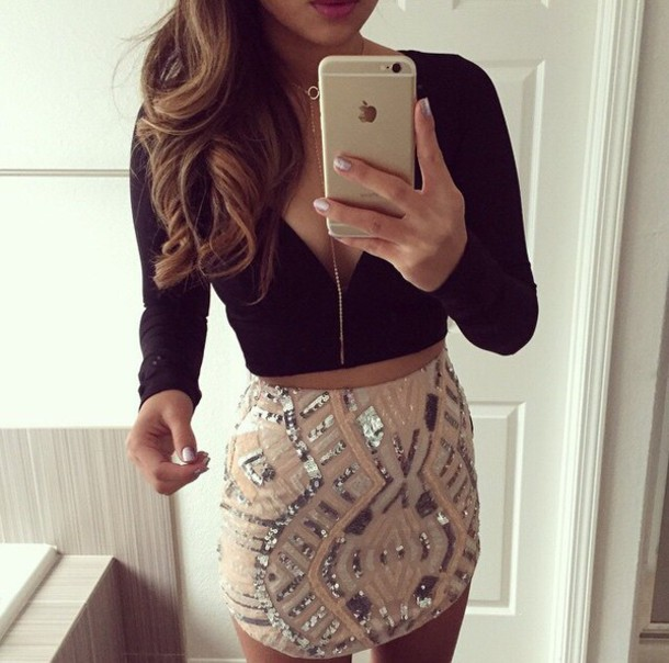 skirt crop tops party outfits party top black black crop top black crop top light pink strass girly cute outfits cute a nude sequin skirt blouse crop blouse black top long sleeves jewels style fashion instagram t-shirt v neck