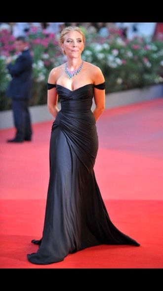 dress black dress scarlett johansson gloves