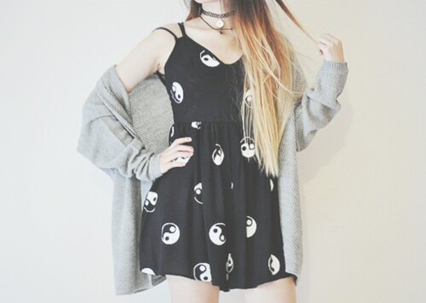 dress black dress romper ying yang romper fun black white black yang yang yin yang yin yang dress summer summer dress black and white black and white dress cool grunge nice