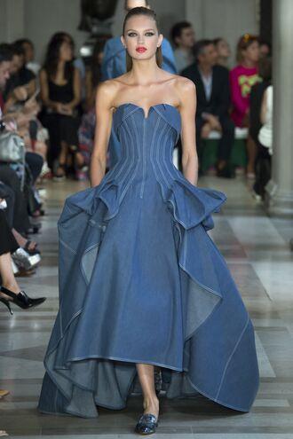 dress bustier bustier dress denim denim dress runway model romee strijd carolina herrera ny fashion week 2016