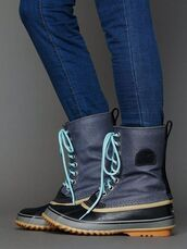 shoes,rain,wellies,boots,wet,rubber,rubber boots,grey,mid calf length,mid calf boots,duck boots,winter boots,sorel boots