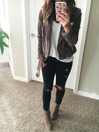 crystalin marie blogger sweater shoes black jeans white top suede jacket brown boots ripped jeans