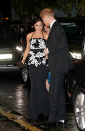 top,meghan markle,celebrity,black and white,gown,maxi skirt