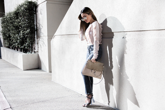 my white t blogger sweater jeans shoes sunglasses bag chloe bag sandals