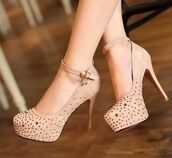 nude high heels,jewels,rihnstones,high heels,nude,high,heels,crystal,pumps,hight heels,red sole,shiny,sparkle