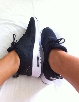 shoes black shoes nike running shoes air max nike air force white black grey colorful polka dots cute cool nice guys girl boys and girls sneakers running sportive sporty sportswear sport shoes just do it black and white nike shoes