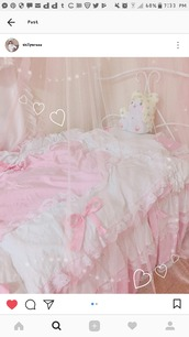 home accessory,bedding,pink bedding,duvet,pink and white bedding,princess bedding