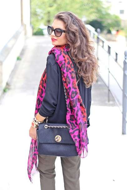 fashionhippieloves blouse blogger scarf bag sunglasses