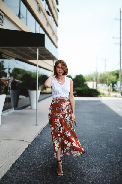 fashionbananas blogger t-shirt skirt shoes