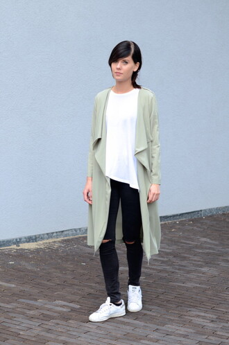lovely by lucy blogger duster coat white sneakers