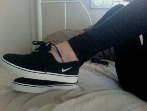 shoes black nike sneakers sneakers low top nike nike shoes nike