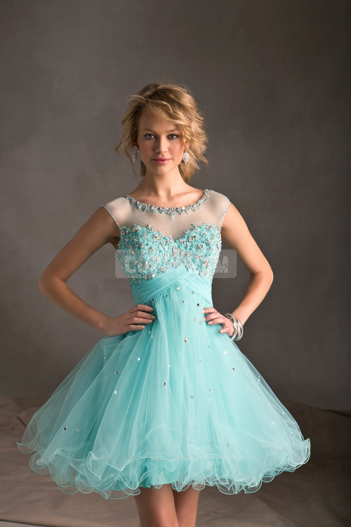 Length empire princess tulle keyhole back scoop cocktail dress