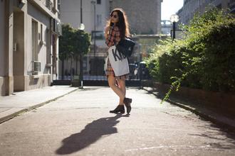 blogger sunglasses leather backpack la couleur du moment tartan