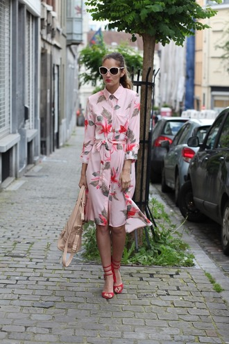 from brussels with love blogger shirt t-shirt dress shoes bag