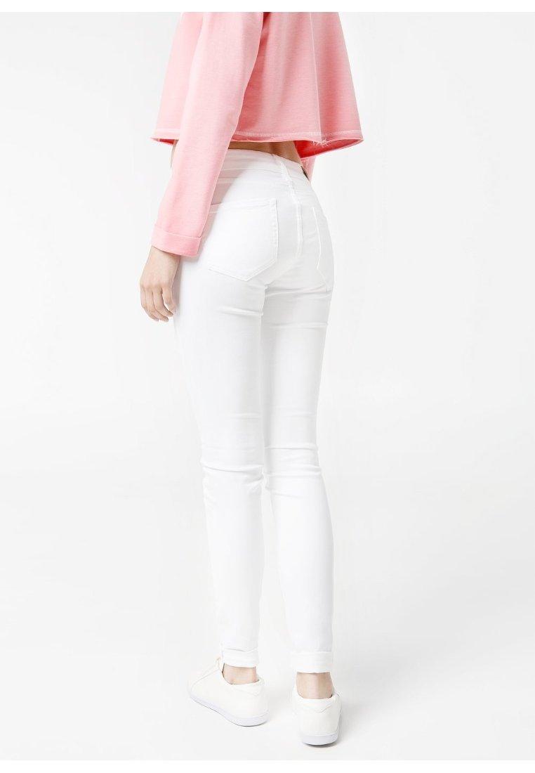 Mango ELEKTRA - Jeans Slim Fit - weiß - Zalando.de
