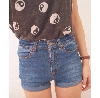 top yin yang t-shirt shorts