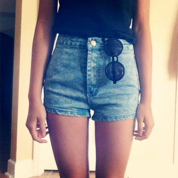shorts denim round sunglasses hipster High waisted shorts denim shorts sunglasses high waisted perfect nice tumblr