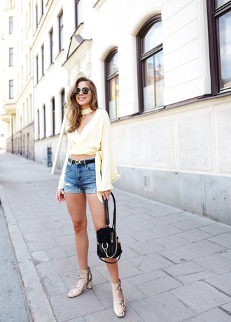 kenza blogger top shorts shoes belt bag sunglasses