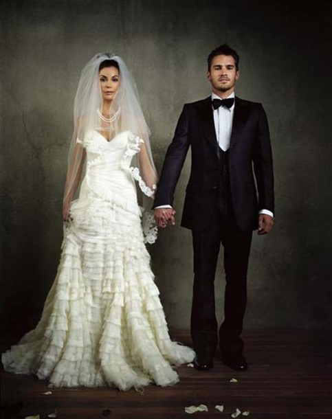 Smoking Wedding Dresses