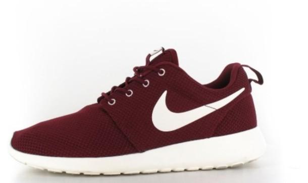 shoes burgundy red nike roshe run