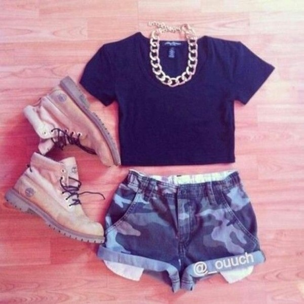 shorts shirt timberlands camouflage crop tops gold jewels shoes