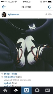 kylie jenner,nike running shoes,nike sneakers,nike free run,white,shoes,nike shoes,nike,nike air