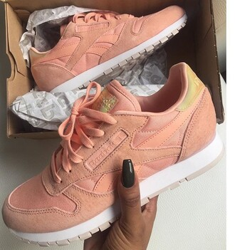 shoes nude pink nude pink reebok shoes sneakers reebok sneakers reebok pastel pink reebok shoes pink sneakers suede sneakers