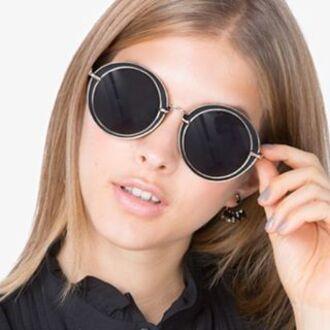 sunglasses show poni