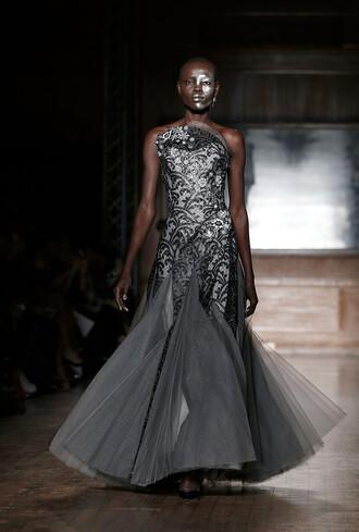 dress gown prom dress wedding dress runway vivienne westwood grey fashion week 2016 london fashion week 2016 strapless