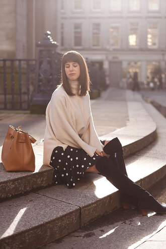 thank fifi blogger sweater skirt shoes bag boots over the knee boots beige sweater polka dot skirt bucket bag winter outfits