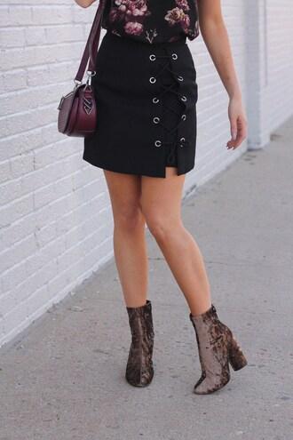skirt tumblr mini skirt black skirt lace up lace up skirt bag burgundy boots velvet velvet shoes velvet boots ankle boots thick heel block heels