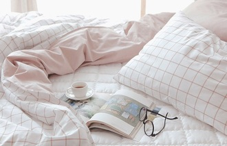 home accessory pink pale aesthetic tumblr aesthetic grid checkered bedding tumblr bedroom bedsheets white