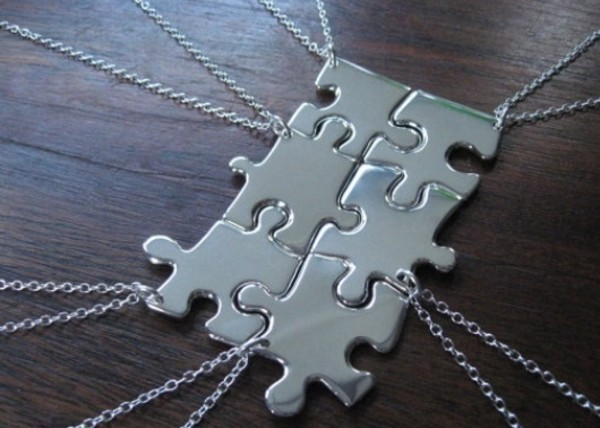 5 best friends bff puzzle piece necklaces silver tone charms on chain necklaces