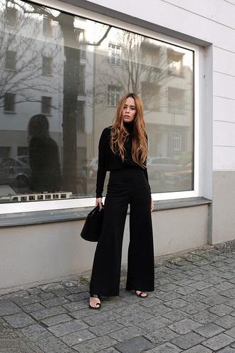 top tumblr sweater black sweater turtleneck turtleneck sweater pants black pants wide-leg pants shoes bag black bag all black everything