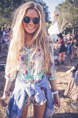 romper jumpsuit festival festivalfashion sunglasses fashion summer dress denim jacket denim shirt floral shorts floral dress dress jewels blonde hair