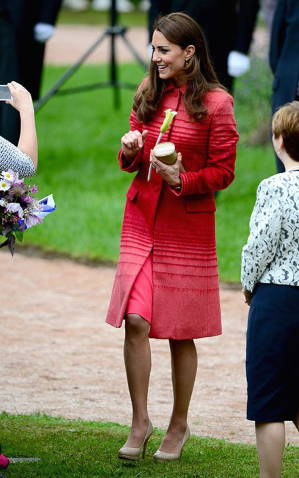 kate middleton coat dress shoes