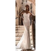 dress,embroidery wedding dresses,trainers,wedding dress,julie vino 2014 evening dresses,straps