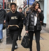 coat,jacket,black jacket,black coat,kylie jenner