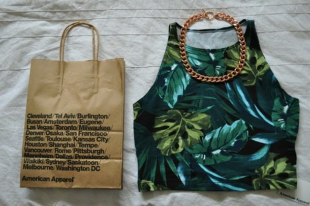 t-shirt crop tops tropical green skirt shorts shirt tropical palm tumblr urban outfitters chain gold jewels tank top green tank top weed top t-shirt palm tree print leaves green tank crop green leafy crop top