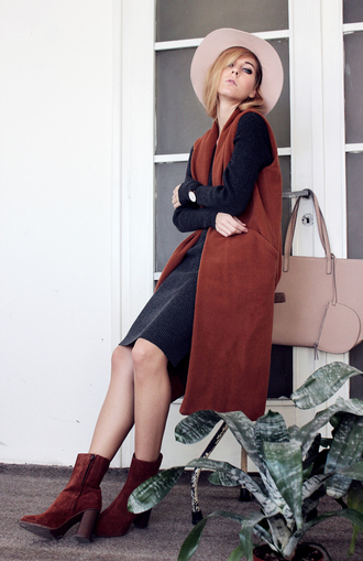 sirma markova blogger velvet shoes sleeveless coat